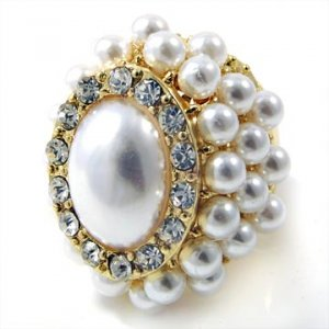 White and Gold Majestic Pearl Oval Ring